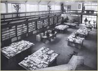 昭和22(1947)年 階上から1階の売場を臨む