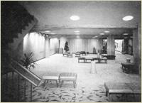 竣工当時の紀伊國屋ホールホワイエ